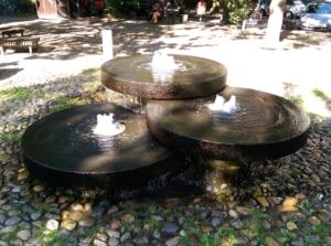 Sprudelt nicht immer, Springbrunnen Heinrich-Barth-Straße/Bornstraße