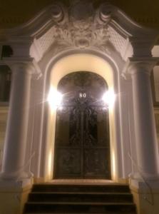 Portal Schlüterstraße 80