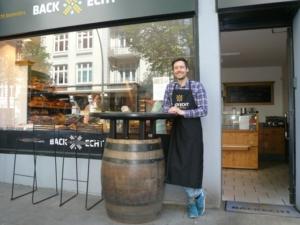 Lars Neumann vor seinem ersten Laden