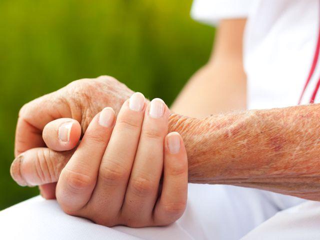 Um den Pflegegrad zu ermitteln, muss der Pflegebedarf eingeschätzt werden